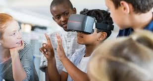 Чи безпечно купувати дітям гарнітуру/окуляри віртуальної реальності (VR)?